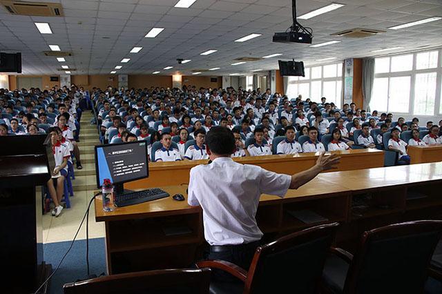 大同中学生涯唤醒讲座5.JPG
